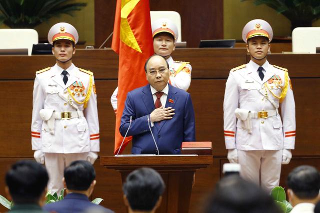 Chủ tịch nước Nguyễn Xuân Phúc: Niềm tin về một Việt Nam tất thắng - Ảnh 2.