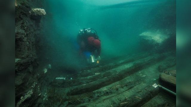 Tìm thấy xác tàu hơn 2000 năm tuổi ở thành phố chìm dưới đáy biển - ảnh 1