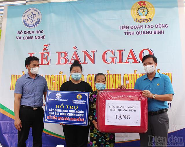 Bộ Khoa học và Công nghệ bàn giao nhà tình nghĩa tại Quảng Bình và Quảng Trị - Ảnh 2.