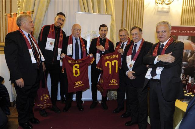 AS Roma & những bản hợp đồng thành công từ  ngoại hạng Anh - Ảnh 1.