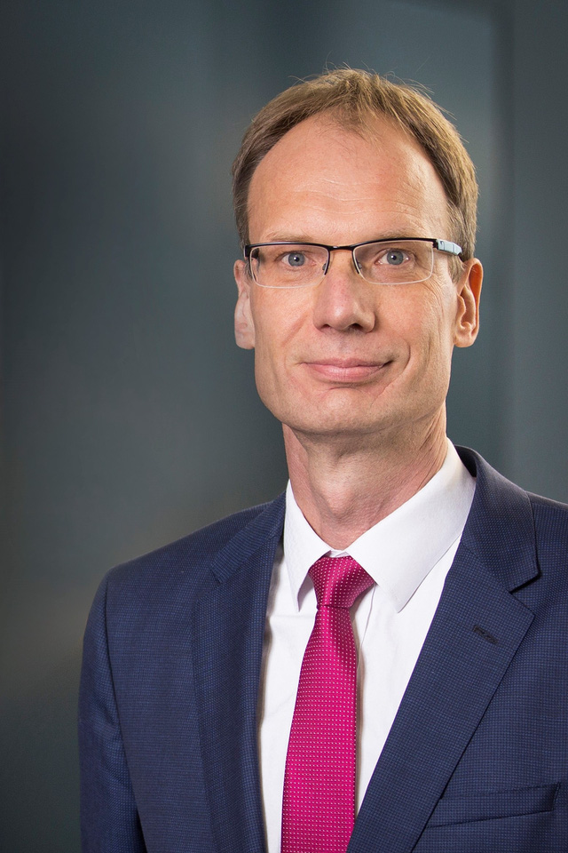 Vingroup bổ nhiệm ông Michael Lohscheller làm Tổng giám đốc VinFast toàn cầu - Ảnh 1.