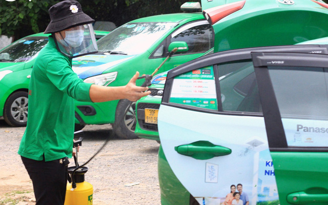 Hà Nội: 200 xe taxi được hoạt động để phục vụ đi lại cho người dân - Ảnh 1.