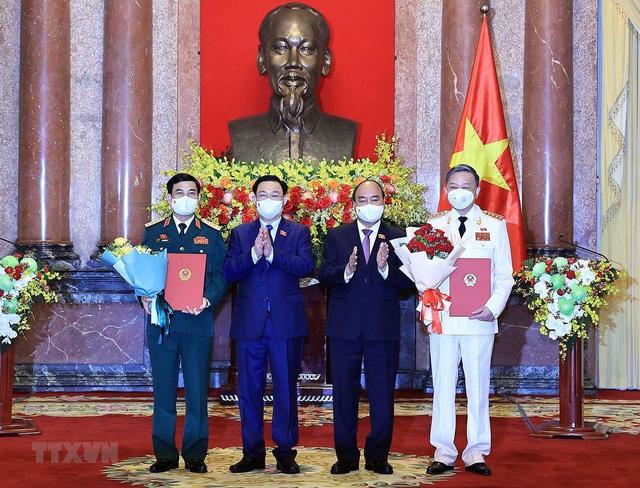 Chủ tịch nước trao quyết định bổ nhiệm các thành viên Chính phủ nhiệm kỳ 2021-2026 - Ảnh 1.