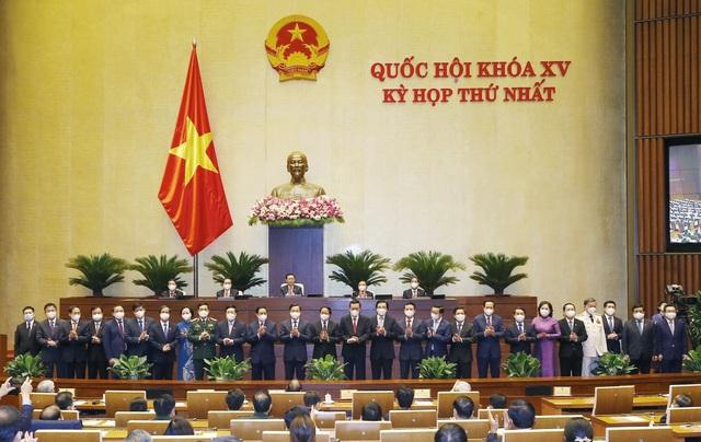 Quốc hội phê chuẩn bổ nhiệm 26 thành viên Chính phủ nhiệm kỳ mới - Ảnh 4.
