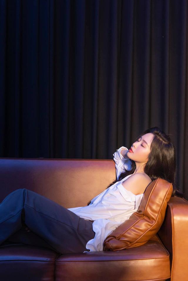 Khó nhận ra BTV Minh Hằng trong loạt ảnh mới - Ảnh 8.