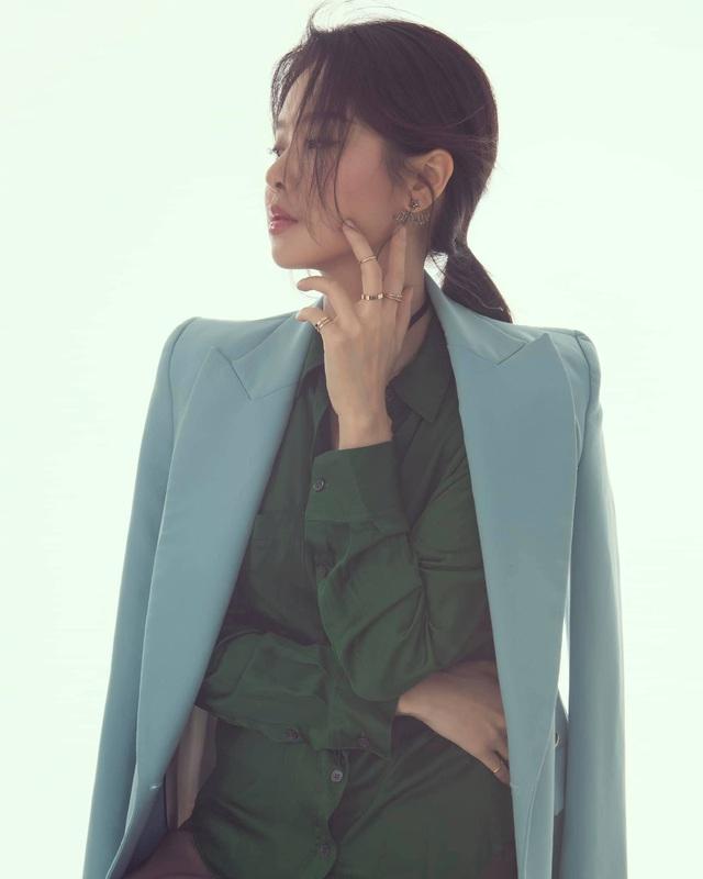 Khó nhận ra BTV Minh Hằng trong loạt ảnh mới - Ảnh 11.