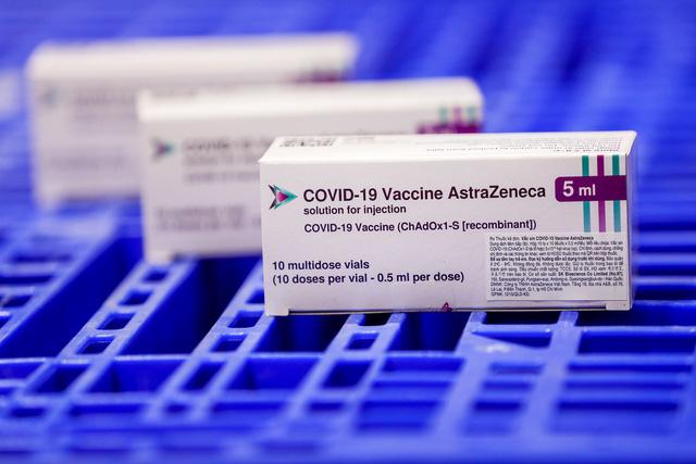 Thêm gần 660.000 liều vaccine COVID-19 của AstraZeneca về đến Việt Nam - Ảnh 5.