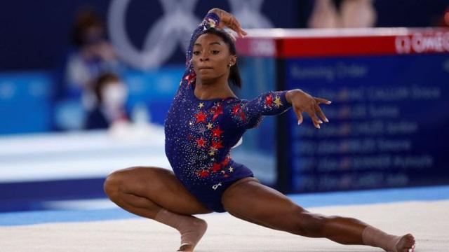 Simone Biles chính thức rút khỏi Olympic Tokyo - Ảnh 1.