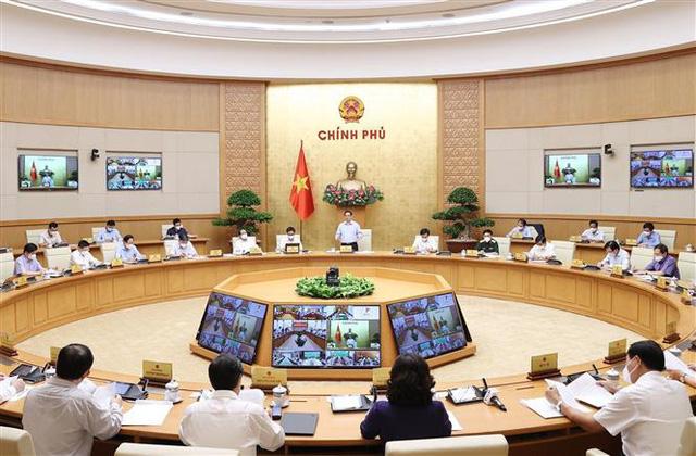 Thủ tướng: Cần cách tiếp cận và giải pháp mới trong chống dịch COVID-19 - Ảnh 2.