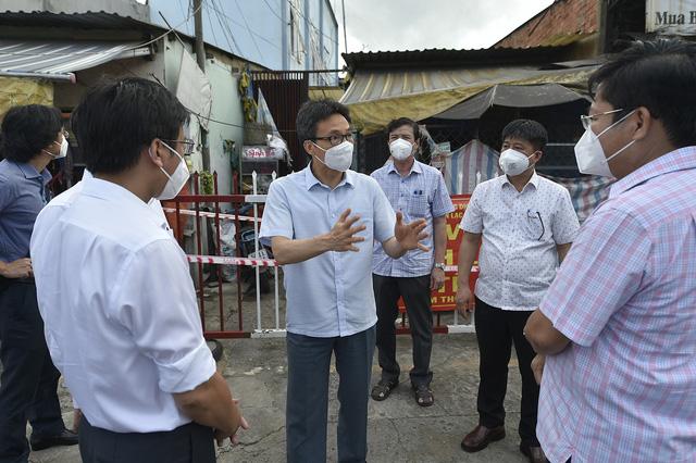 Dành vaccine phòng COVID-19 cho TP Hồ Chí Minh - Ảnh 1.