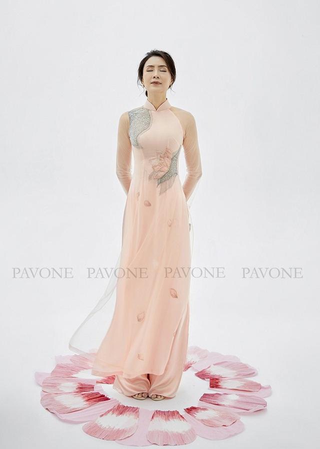 Top những mẫu áo dài Pavone được lựa chọn nhiều nhất hiện nay - Ảnh 1.