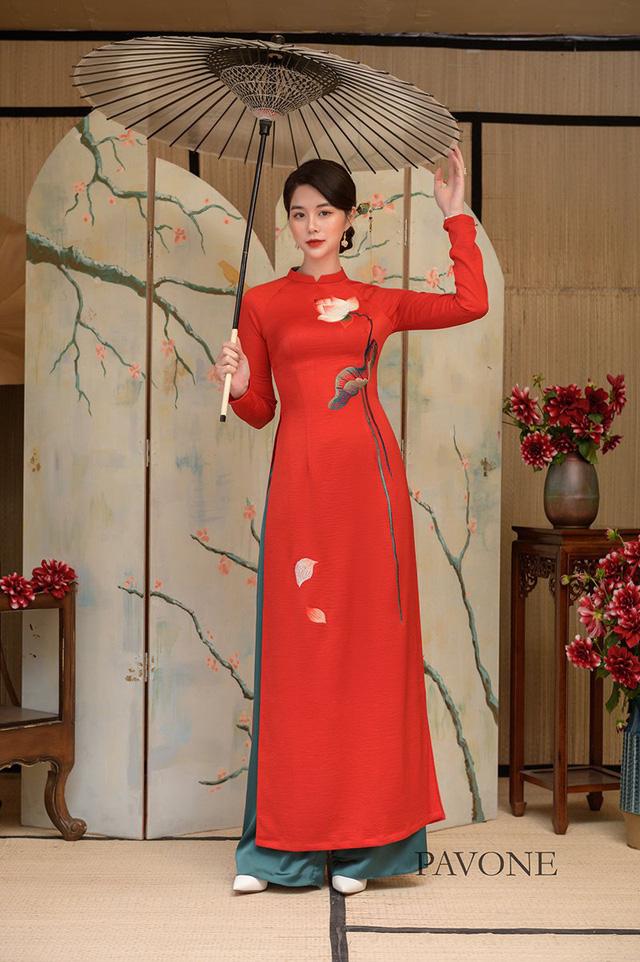 Top những mẫu áo dài Pavone được lựa chọn nhiều nhất hiện nay - Ảnh 3.