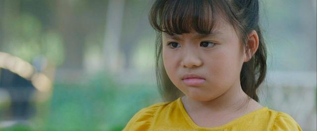 Mùa hoa tìm lại - Tập 20: Thủy vô sinh, bé Ngân nhanh trí nghĩ cách gọi bố Đồng đến giải cứu - Ảnh 3.