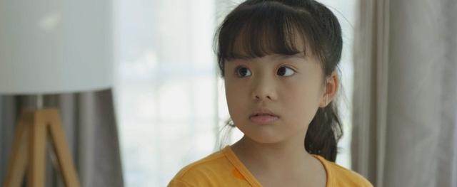 Mùa hoa tìm lại - Tập 20: Thủy vô sinh, bé Ngân nhanh trí nghĩ cách gọi bố Đồng đến giải cứu - Ảnh 10.