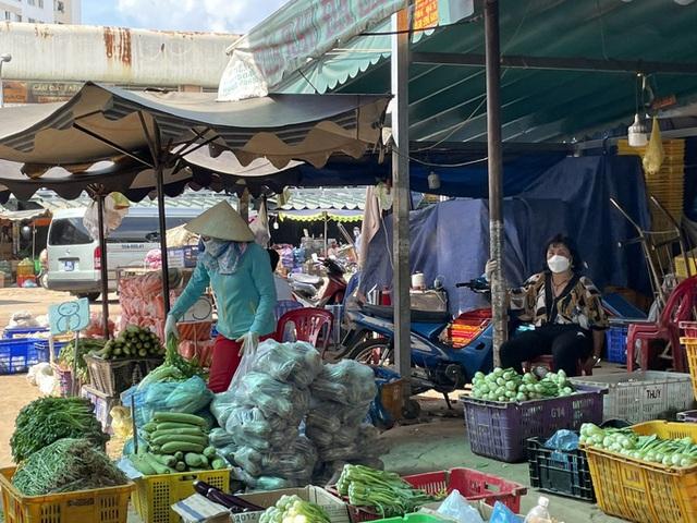 TP Hồ Chí Minh đảm bảo đủ hàng hóa, không để khan hàng, sốt giá trong bão dịch - Ảnh 1.