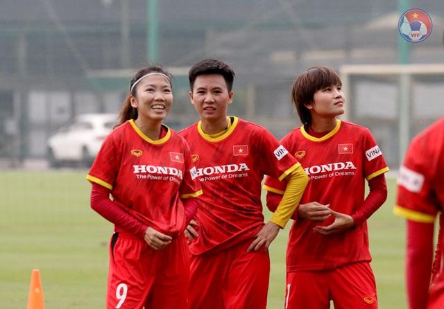 """Tuyết Dung: """"ĐT nữ Việt Nam đang có sự chuẩn bị kỹ cho giấc mơ World Cup"""" - Ảnh 1."""