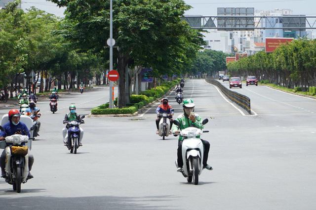 Kiến nghị tạo thuận lợi cho shipper hoạt động tại Hà Nội và TP Hồ Chí Minh - ảnh 2