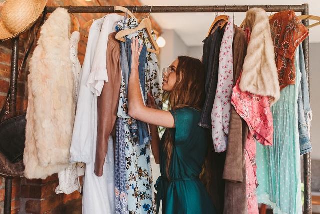 Dịch vụ cho thuê quần áo - Tương lai của ngành thời trang? | VTV.VN