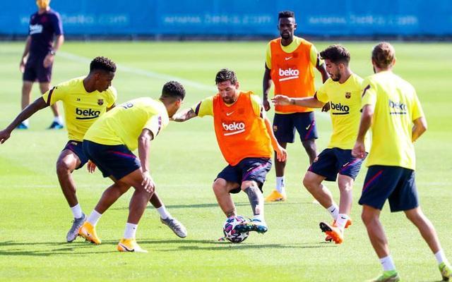 Barcelona vất vả điều chỉnh lại lương của các cầu thủ - Ảnh 1.