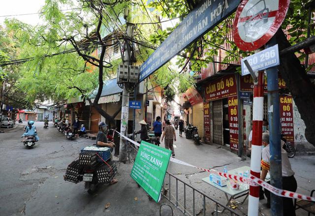 """Hà Nội: Nhiều khu dân cư thiết lập """"vùng xanh"""" chống lây COVID-19 từ bên ngoài - Ảnh 7."""