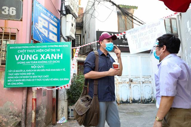 """Hà Nội: Nhiều khu dân cư thiết lập """"vùng xanh"""" chống lây COVID-19 từ bên ngoài - Ảnh 5."""