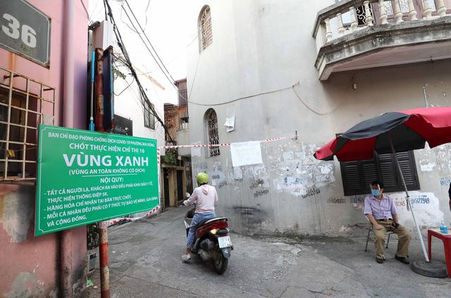 """Hà Nội: Nhiều khu dân cư thiết lập """"vùng xanh"""" chống lây COVID-19 từ bên ngoài - Ảnh 3."""