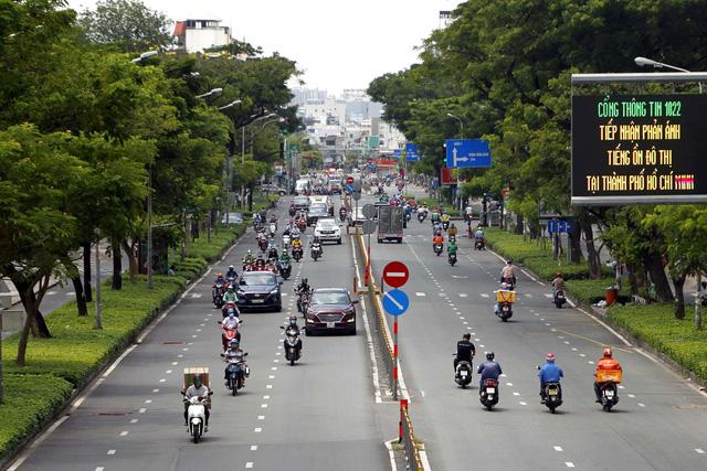 Ngày đầu TP Hồ Chí Minh mở lại vận tải hành khách đô thị - Ảnh 1.