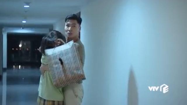 Hương vị tình thân phần 2 - Tập 21: Ông Khang tuyên bố ly hôn, bà Xuân ngỡ ngàng - Ảnh 3.