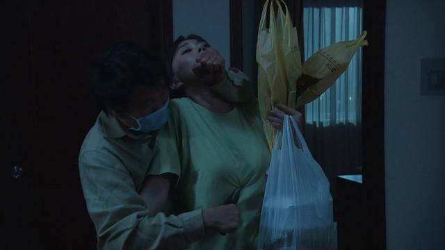 Hương vị tình thân phần 2 - Tập 21: Ông Khang tuyên bố ly hôn, bà Xuân ngỡ ngàng - Ảnh 2.