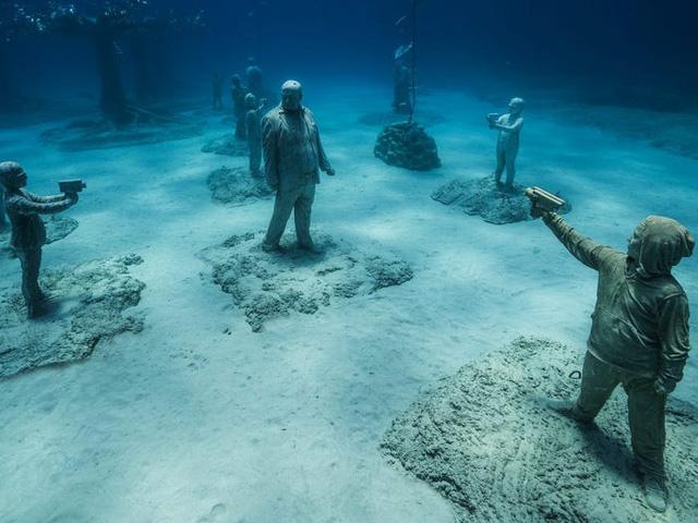 Độc đáo triển lãm nghệ thuật dưới nước tại đảo Cyprus - ảnh 7