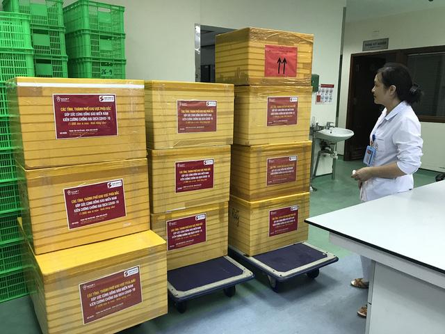 Tiếp tục chuyển 2.000 đơn vị máu vào TP. Hồ Chí Minh - Ảnh 2.