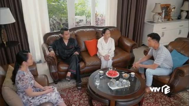 Hương vị tình thân phần 2 - Tập 22: Bà Dần bị tai biến, ông Khang giục Nam - Long cưới chạy - Ảnh 1.