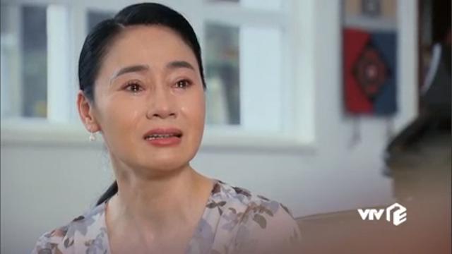 Hương vị tình thân phần 2 - Tập 22: Bà Dần bị tai biến, ông Khang giục Nam - Long cưới chạy - Ảnh 2.
