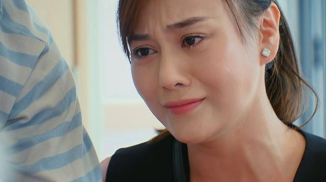Hương vị tình thân phần 2 - Tập 22: Bà Dần bị tai biến, ông Khang giục Nam - Long cưới chạy - Ảnh 7.