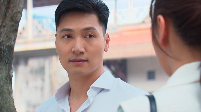 Hương vị tình thân phần 2 - Tập 22: Bà Dần bị tai biến, ông Khang giục Nam - Long cưới chạy - Ảnh 11.