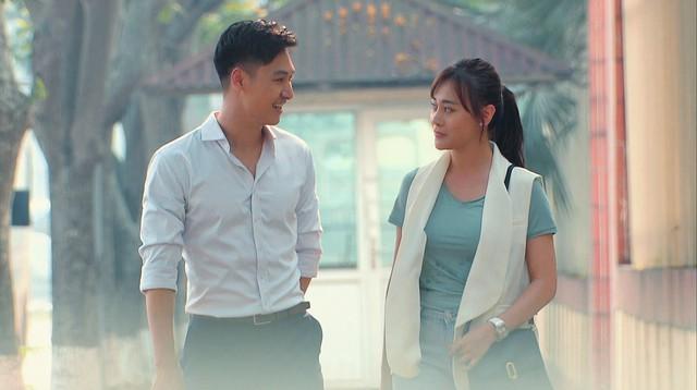Hương vị tình thân phần 2 - Tập 22: Bà Dần bị tai biến, ông Khang giục Nam - Long cưới chạy - Ảnh 12.