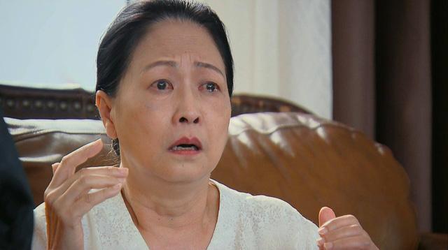 Hương vị tình thân phần 2 - Tập 22: Bà Dần bị tai biến, ông Khang giục Nam - Long cưới chạy - Ảnh 4.