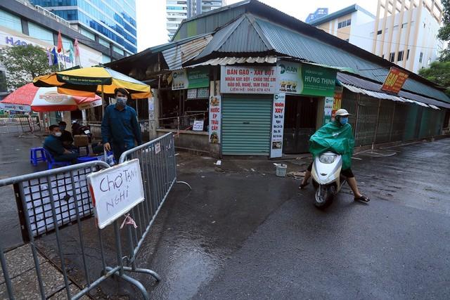 Hà Nội: Quận Thanh Xuân tạm dừng hoạt động chợ Nhân Chính - Ảnh 3.