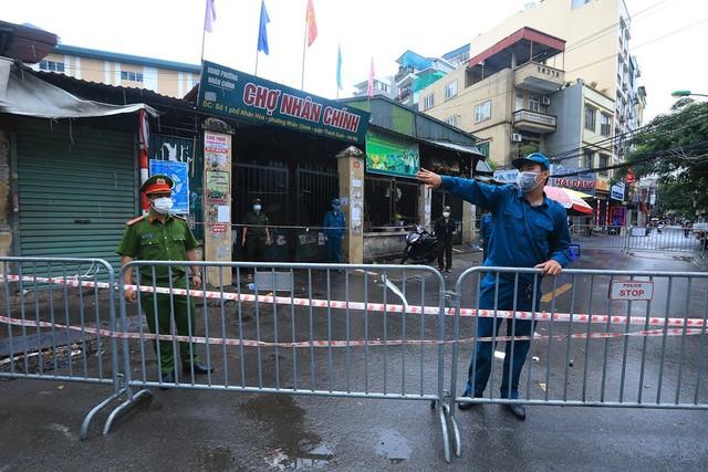 Hà Nội: Quận Thanh Xuân tạm dừng hoạt động chợ Nhân Chính - Ảnh 6.