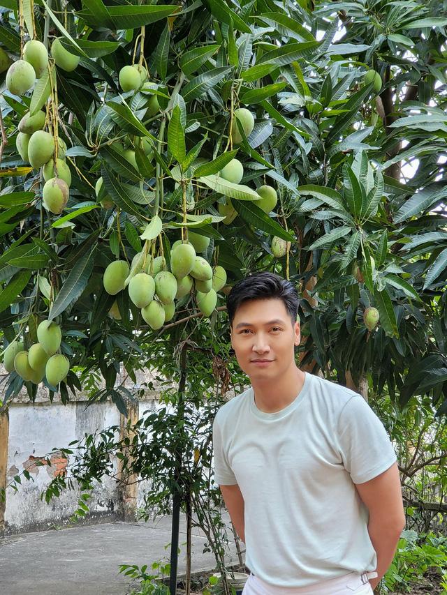 Diễn viên Việt tuần qua: Hồng Diễm đăng ảnh chào tháng 8, Khả Ngân xinh đẹp mừng sinh nhật - Ảnh 4.