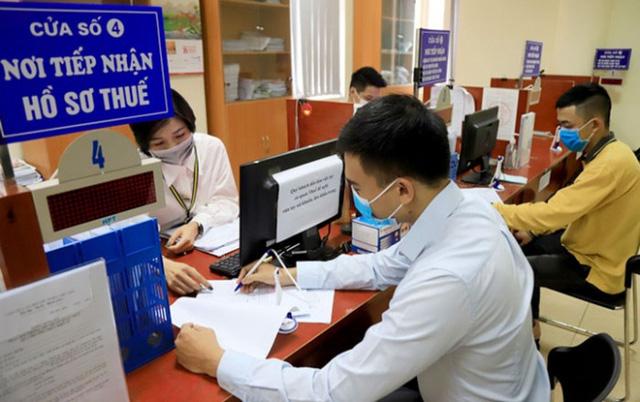 """Các gói hỗ trợ triển khai cùng lúc - """"Liều thuốc"""" tiếp sức người dân, doanh nghiệp vượt bão COVID-19 - Ảnh 2."""