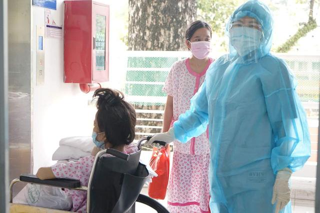 Bên trong bệnh viện điều trị nhiều sản phụ COVID-19 nhất TP. Hồ Chí Minh - Ảnh 1.
