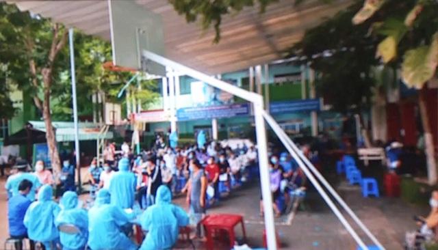 TP Hồ Chí Minh đẩy mạnh tiêm vaccine COVID-19 trong khu dân cư - Ảnh 1.