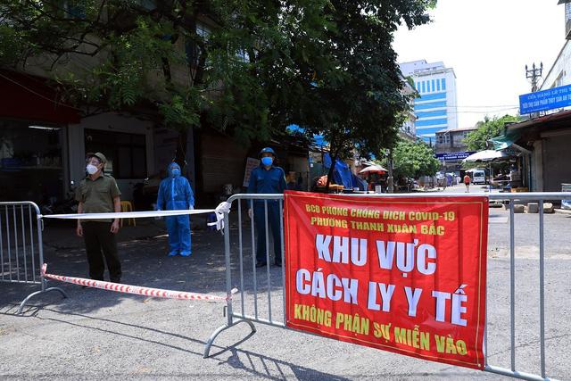 Hà Nội phong tỏa nhà E8, phường Thanh Xuân Bắc do có ca dương tính mới - Ảnh 5.
