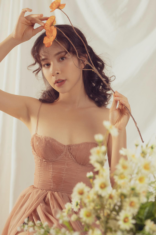 Trần Vân hóa nàng thơ trong bộ ảnh mới - Ảnh 2.