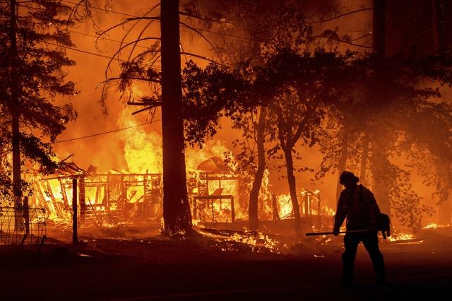 Cháy rừng lan nhanh ở California, hàng nghìn người phải sơ tán - Ảnh 5.