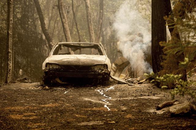 Cháy rừng lan nhanh ở California, hàng nghìn người phải sơ tán - Ảnh 4.