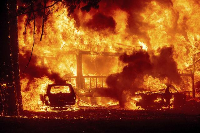 Cháy rừng ở Hy Lạp bước sang ngày thứ 3, địa điểm tổ chức Thế vận hội cổ đại được bảo toàn - Ảnh 4.
