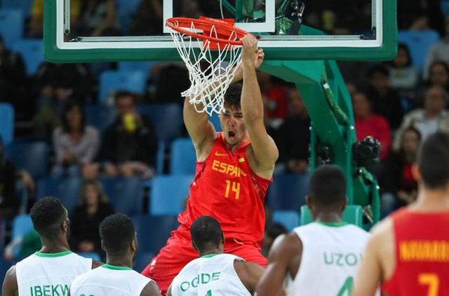 Anh em nhà Gasol chia tay đội tuyển bóng rổ Tây Ban Nha - Ảnh 1.