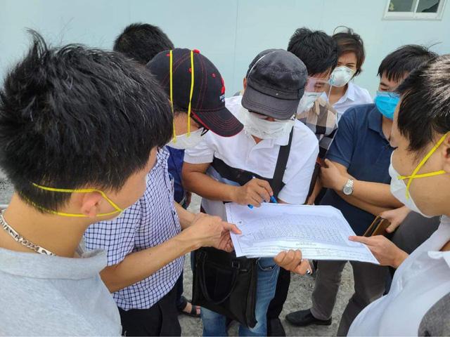 Hơn 300 y, bác sĩ cùng 8 tấn trang thiết bị từ Bệnh viện Hữu nghị Việt Đức vào TP. Hồ Chí Minh - Ảnh 1.